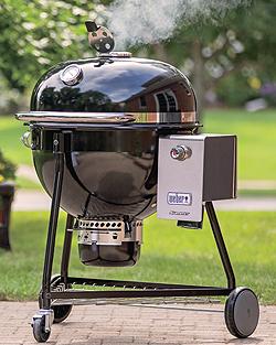Kurzlich Hat Die Amerikanische Grillbaufirma Weber Stephen Eine Technische Innovation Lanciert Den Neuen Luxus Holzkohlegrill Summit Charcoal Bild